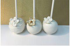 White flower trio